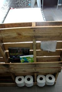 diy-pallet-bathroom-storage-cabinet-and-planter-stand-4