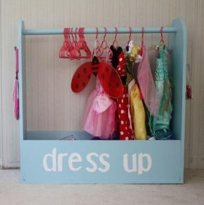 dress-up-center-storage-pretned-1