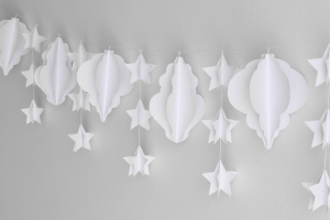 Christmas-Paper-Garland-Tutorial-Image