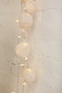 Lace-twinkle-lights-DIY-10