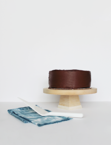 diy-wood-cake-stand-almost-makes-perfect-