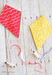 mini-paper-kites-craft-for-kids-4