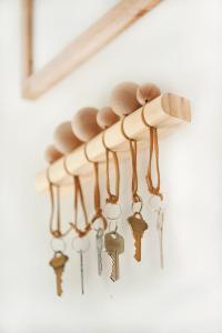 Modern-Wood-Keyholder-4 copy