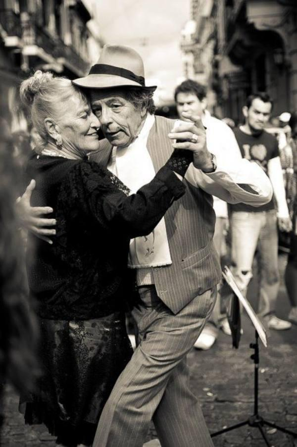 adorably-smitten-elderly-couples-17-photos-6