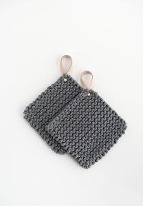 knit-potholders-diy